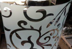 Стекло радиусное с пескоструйным рисунком для радиусных дверей Гомель